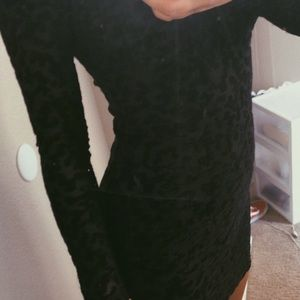 Soprano Nordstrom black velvet long sleeve dress